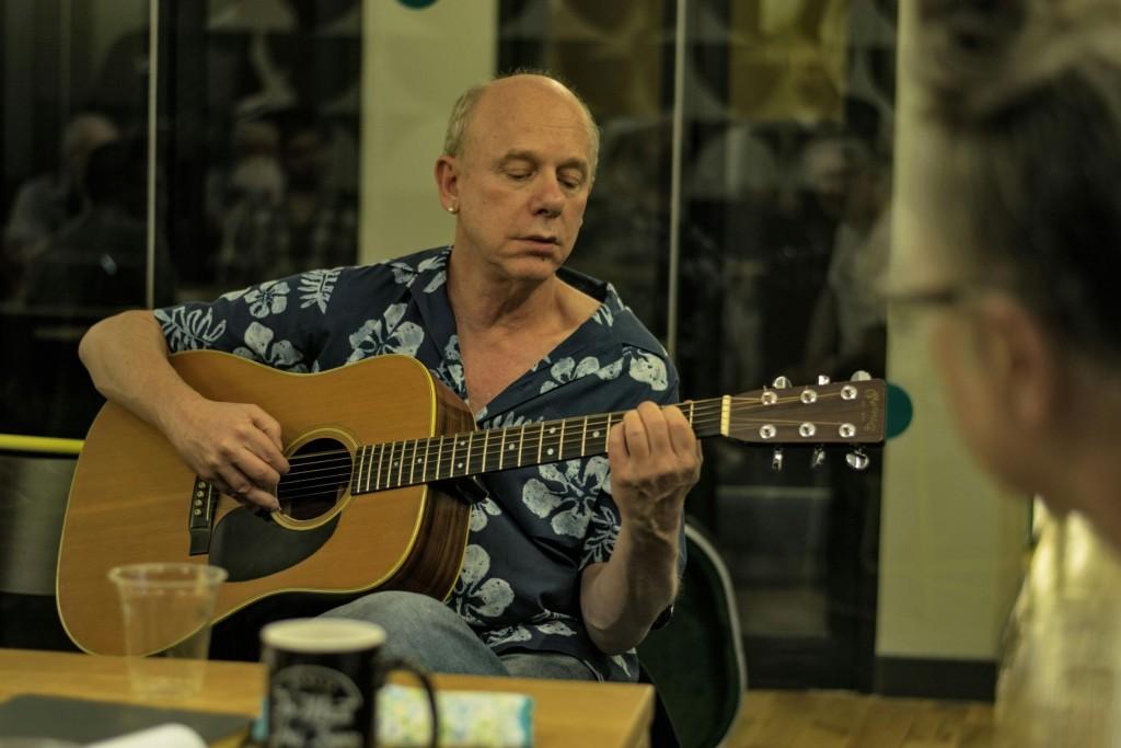 David Belmont plays guitar @ MFM LegalShield workshop