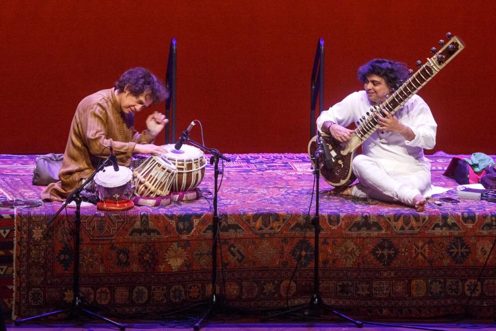 Zakir Hussain and Niladri Kumar