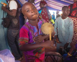 Bamako: wedding with tama player